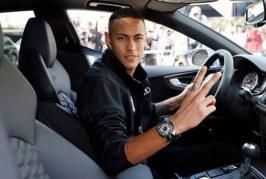 Jogadores do Barça ganham carros de montadora; Neymar escolhe o mais caro. Veja o vídeo