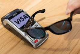 Visa cria óculos que funcionam como cartão de crédito e débito