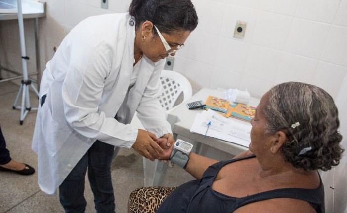 Palestra em Lauro de Freitas destaca importância de hábitos saudáveis para prevenir a hipertensão