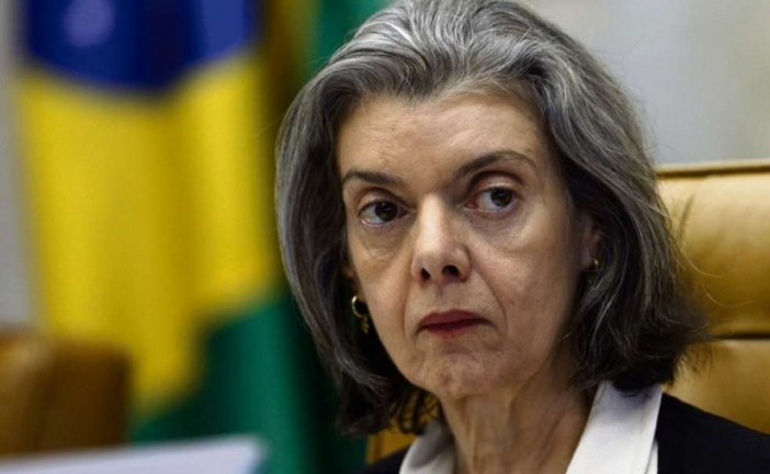 Cármen Lúcia envia à Câmara denúncia da PGR contra Temer