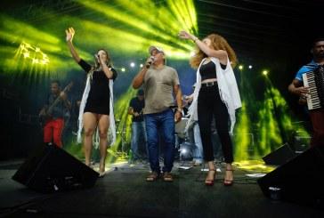 Público lota primeira noite do Arraiá de Ipitanga em Lauro de Freitas
