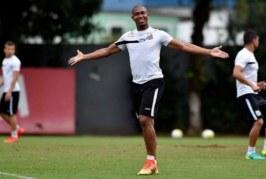 Atacante chega em Salvador para fechar com o Bahia
