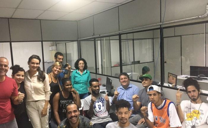 """Secretário da SEPLAN de Lauro de Freitas recebe visita de integrantes do movimento """"Batalha do Caranga""""."""