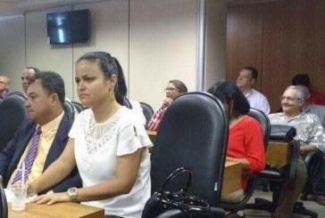 Débora Regis participou de debate que tratou das áreas limítrofes entre Salvador e Lauro de Freitas