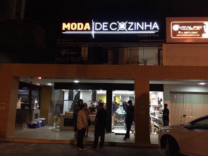 Secretário Mauro Cardim participou da inauguração da loja Moda de Cozinha em Lauro de Freitas