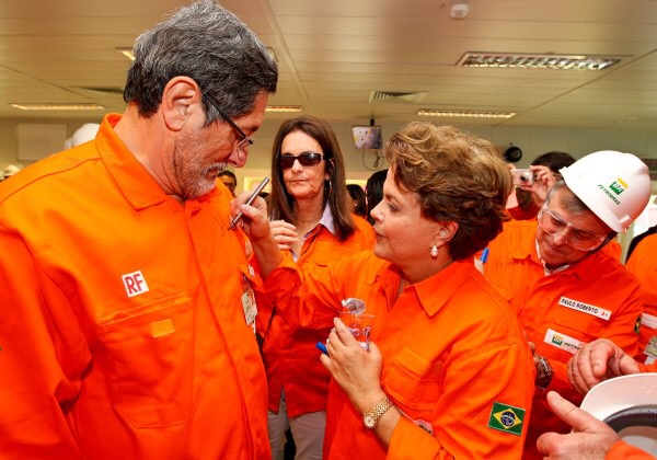 TCU bloqueia bens de Dilma, Palocci e Gabrielli por Pasadena