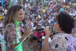 Ju Moraes canta a Bahia no encerramento do Trilhadas Artes no Parque Ecológico de Lauro de Freitas
