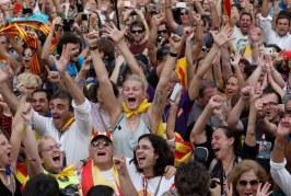 Parlamento catalão aprova independência da Espanha