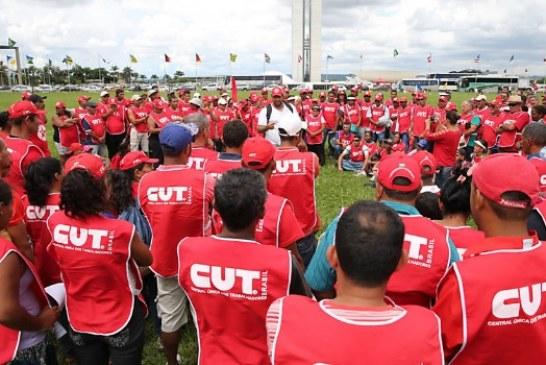 CUT lança programa de demissão, e funcionários ameaçam greve