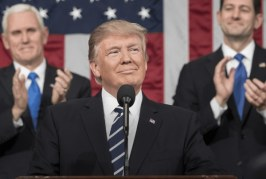 'Pagarão alto preço por cada ataque contra nós', diz Trump sobre EI