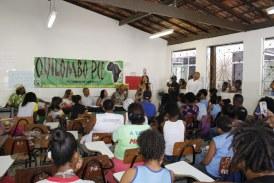 Escola de Lauro de Freitas abre as portas para discutir genocídio e feminicídio no Novembro Negro