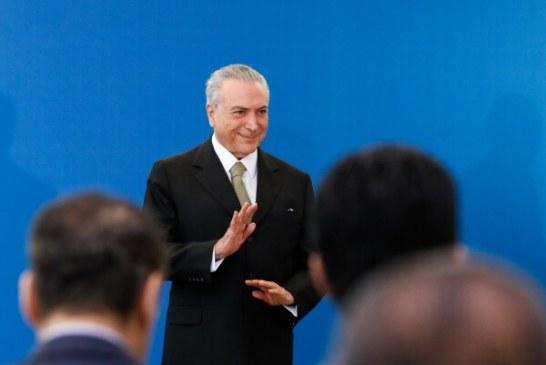Brasil deixou recessão para trás, diz Temer na Argentina